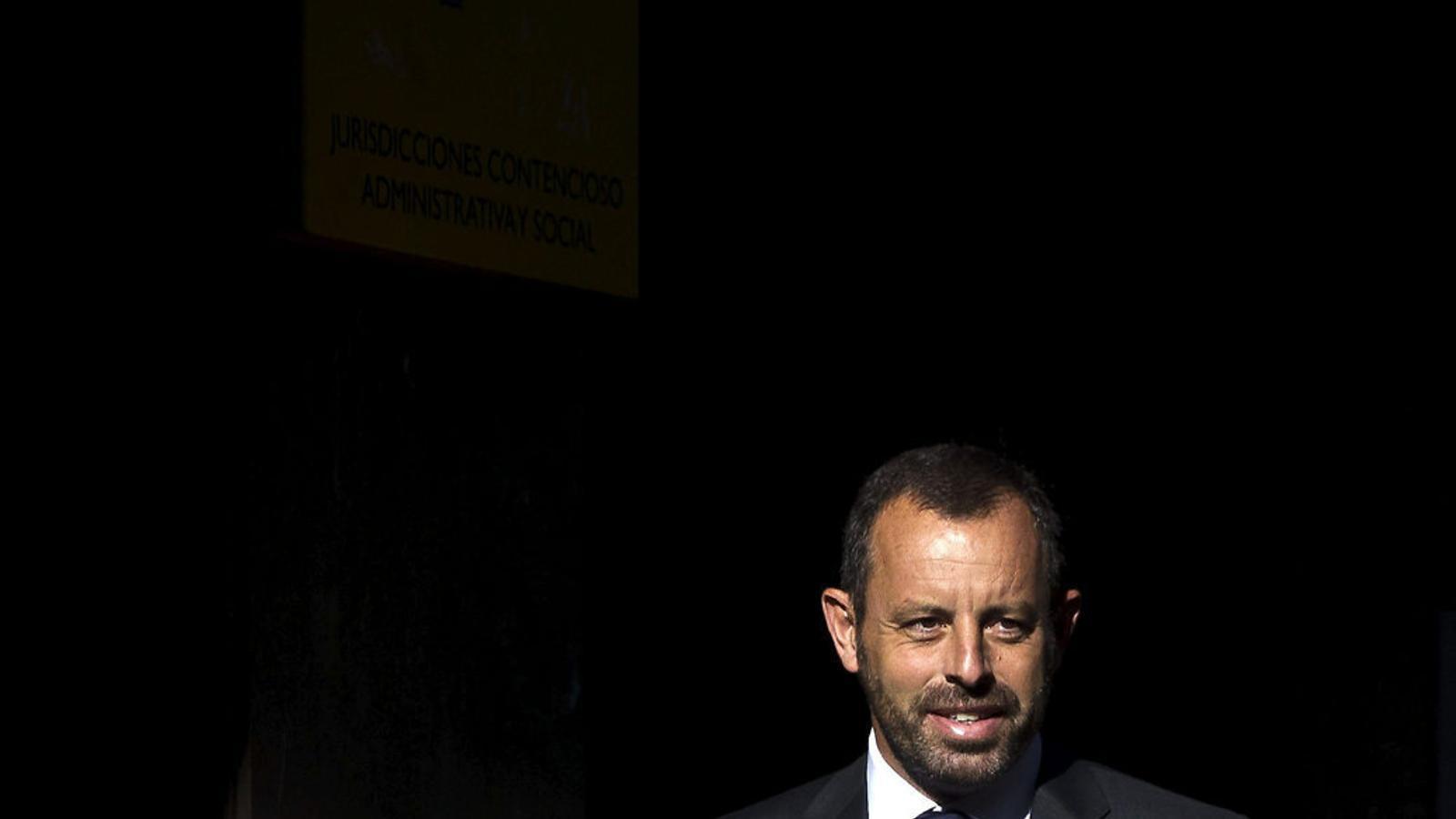 L'expresident del Barça Sandro Rosell arribant a l'Audiència Nacional per declarar davant el jutge el 2014.