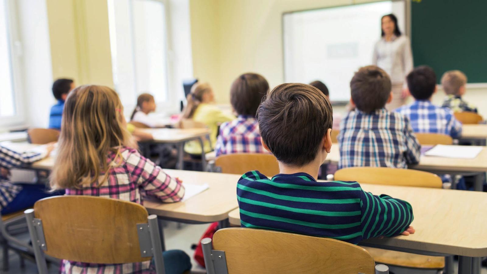 Anunci de 5.000 docents i no docents més per al curs 20/21, i no caldrà fer servir la mascareta: les claus del dia, amb Antoni Bassas (30/06/2020)