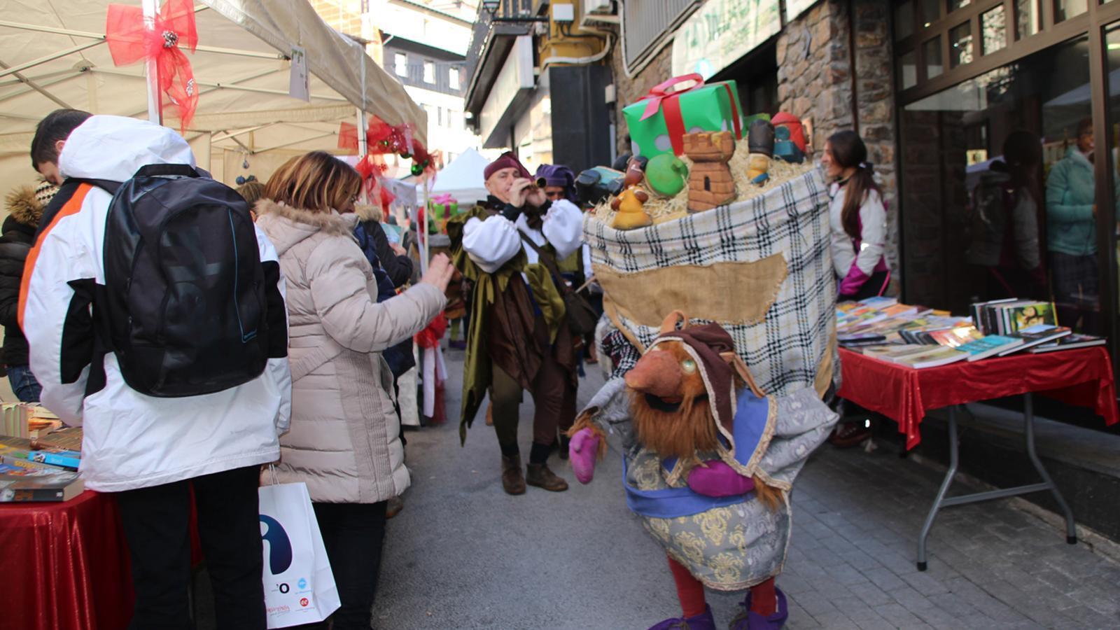 Aquest dissabte se celebra el Mercat de Nadal d'Encamp, amb parades i animació al carrer. / E. J. M. (ANA)
