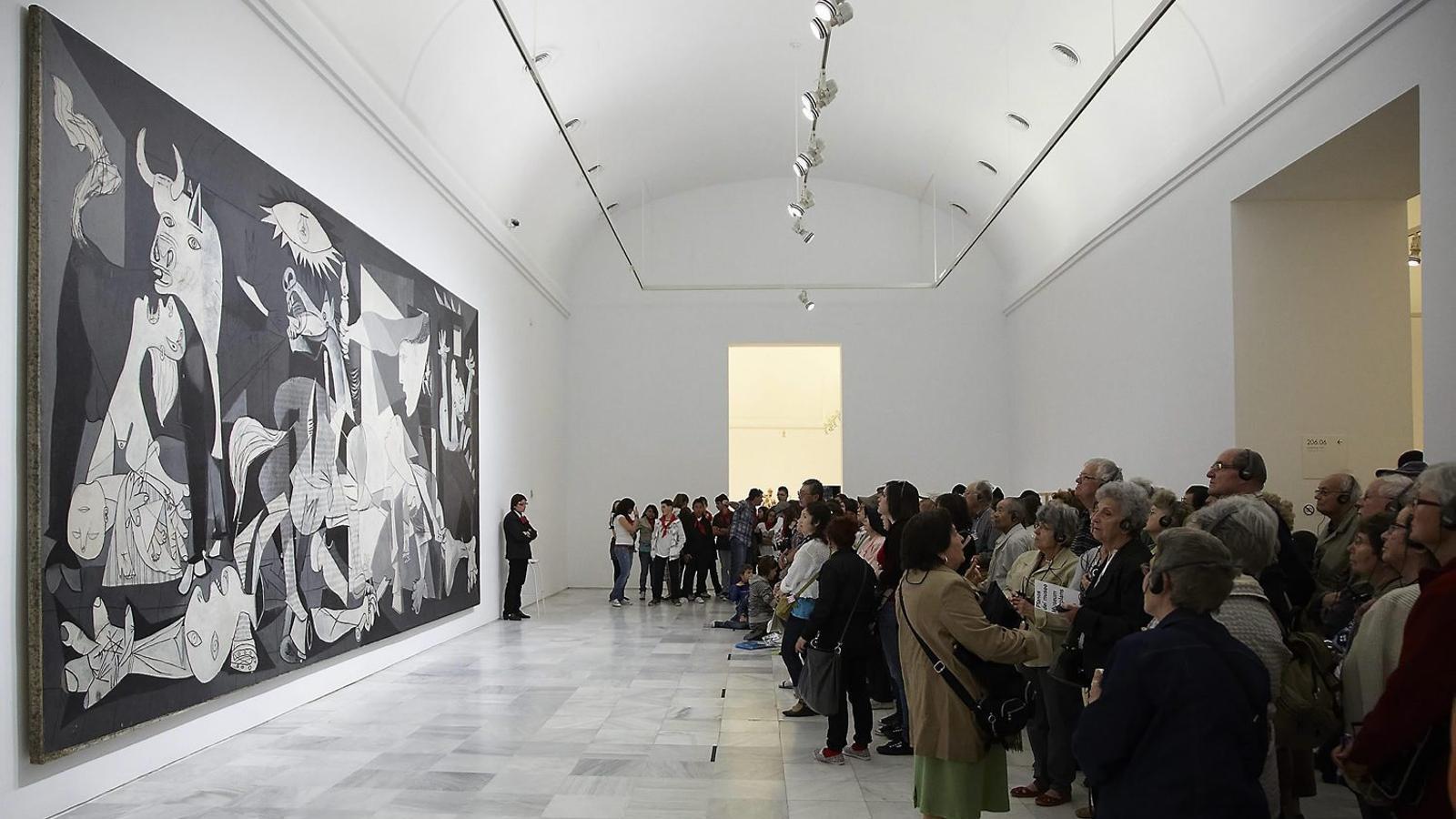 DES DE CASA - Página 12 Guernica-Picasso-Angels-Margarit-Gosling_1720038108_36439204_651x366