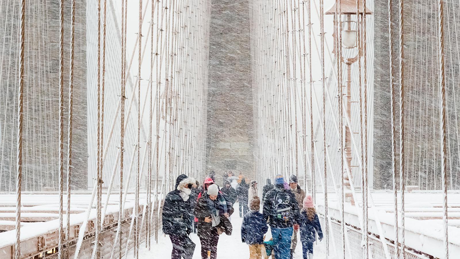 Tempesta de neu al Pont de Brooklyn de Nova York