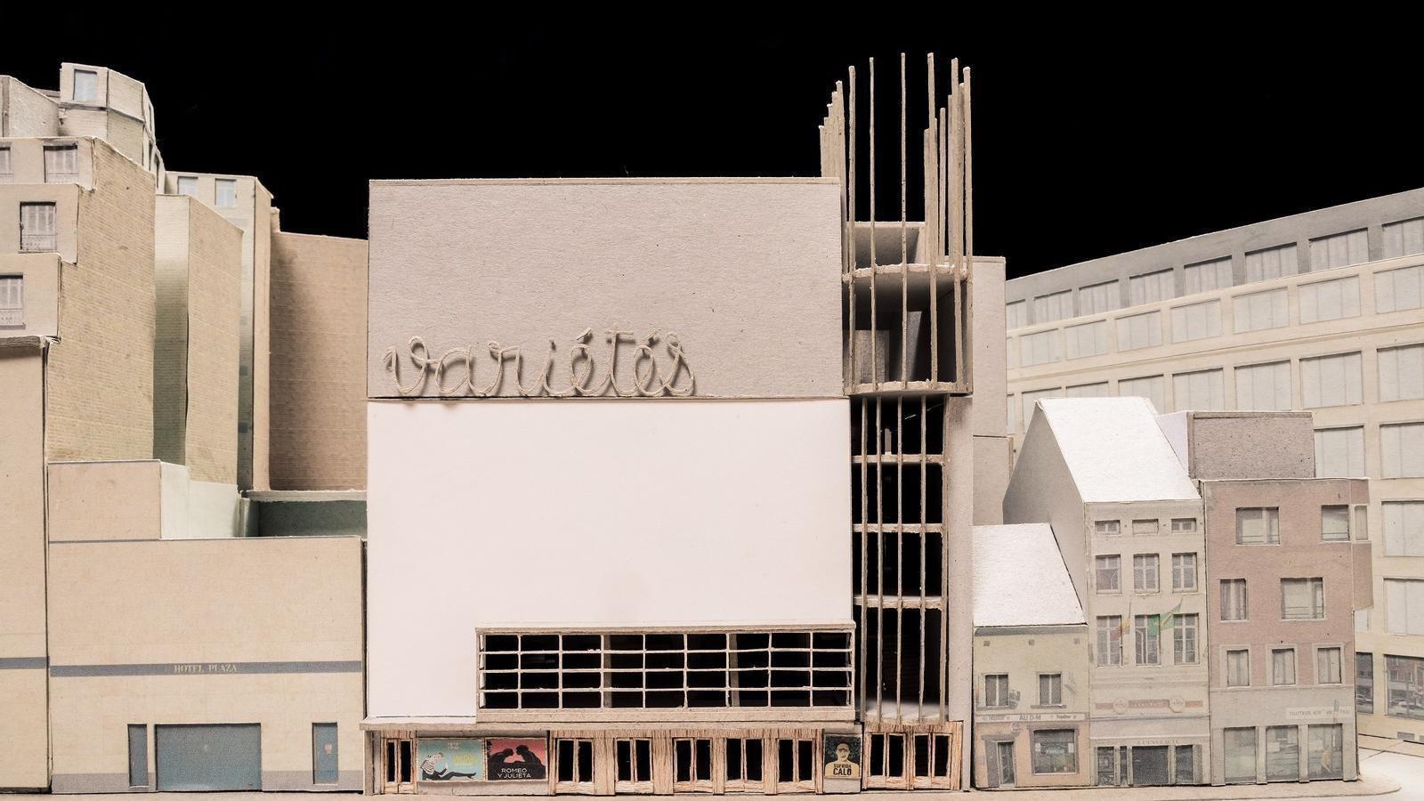 Façana del Théâtre des Variétés al carrer Malines