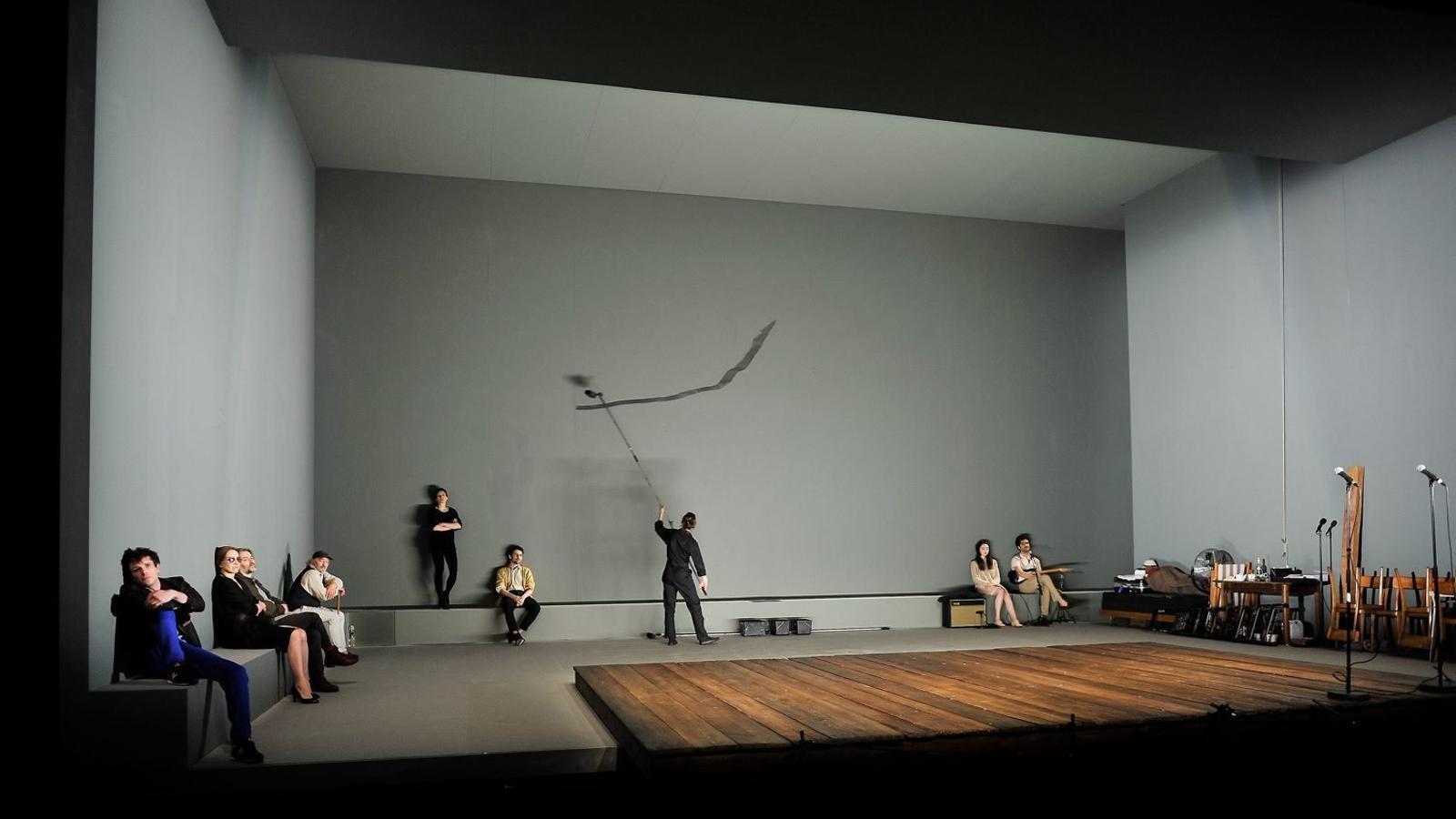 La companyia del Théâtre de Vidy de Lausana, amb qui Ostermeier ja havia fet Espectres, és sempre a escena.