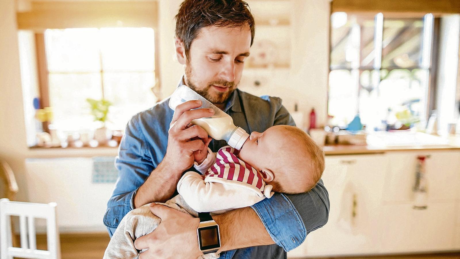 Hoy entra en vigor la ampliación a ocho semanas del permiso de paternidad