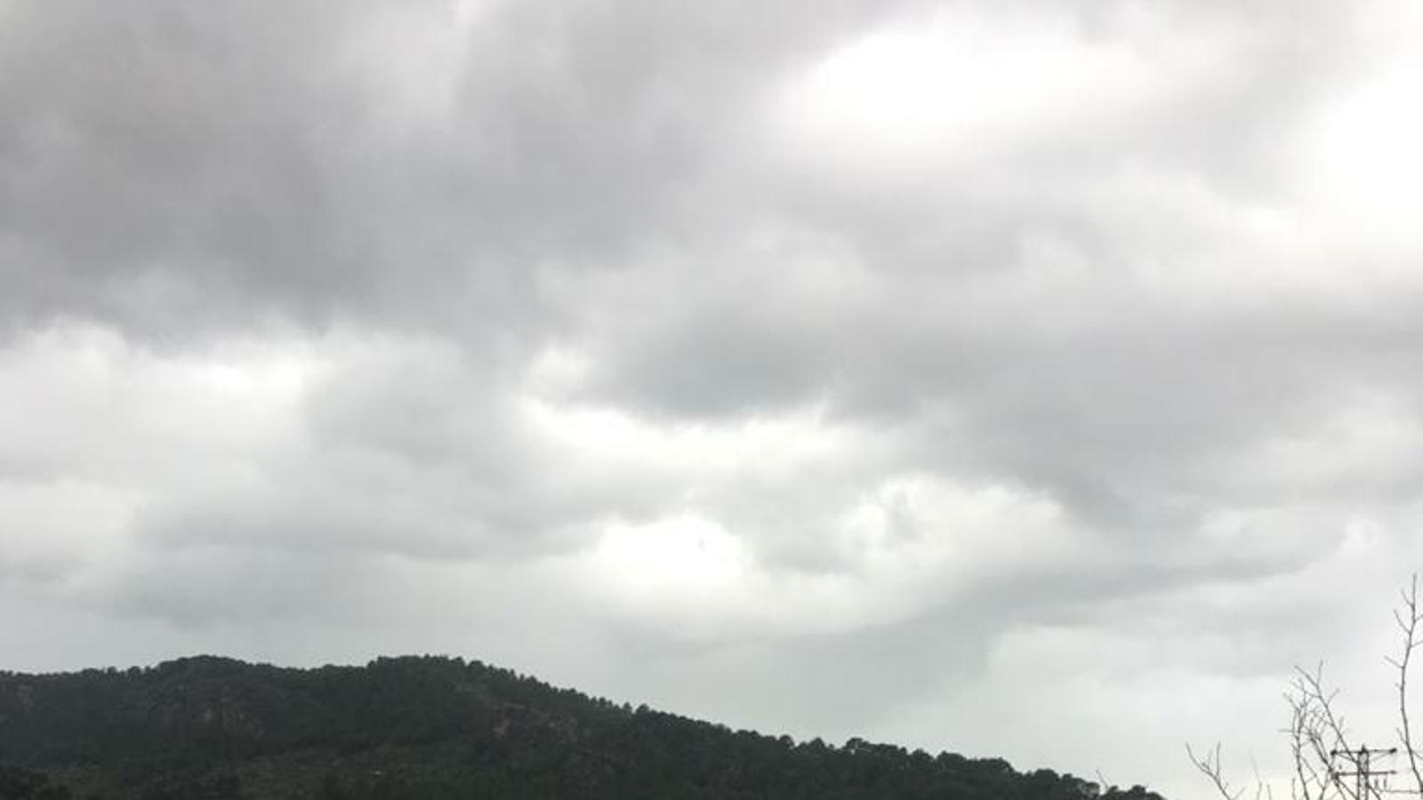 Pluges intenses, uns 8.000 llamps i 69 incidents a les Balears