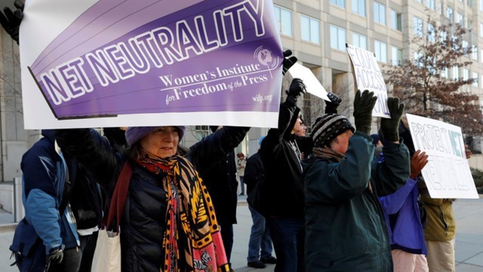 Manifestació a favor de la neutralitat a la xarxa, a Washington.