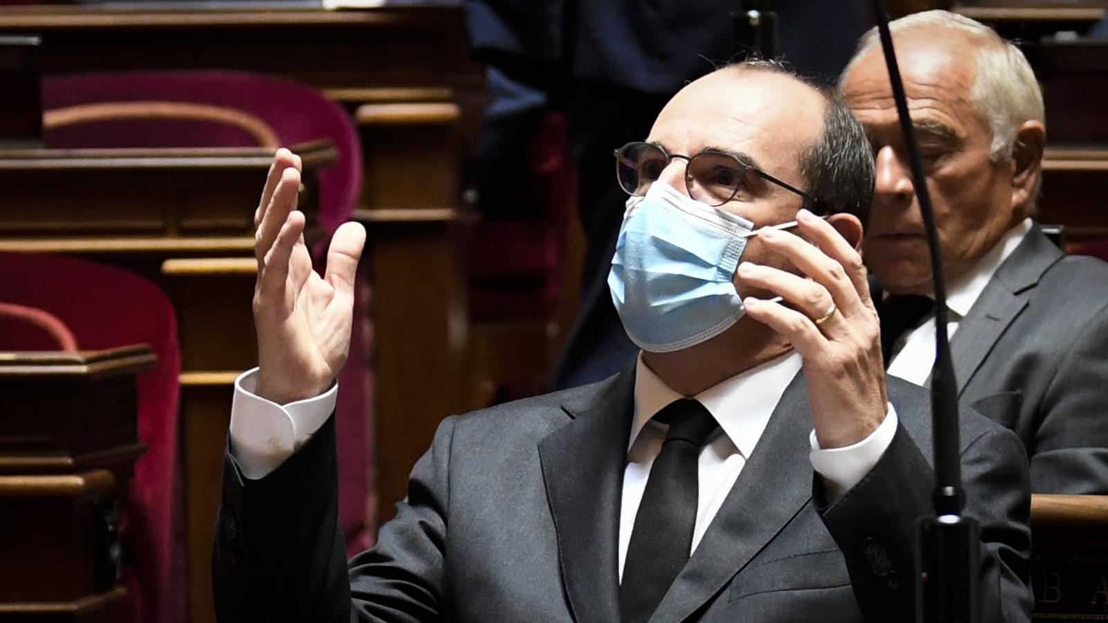 Mascareta obligatòria en els espais públics tancats a França a partir de la setmana vinent