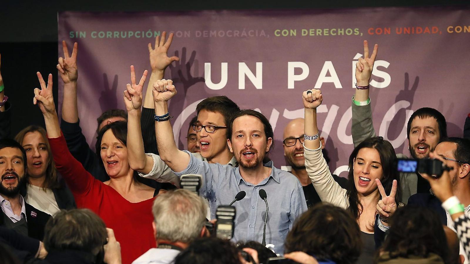 Catalunya fa pinya amb el dret a decidir en una Espanya fragmentada