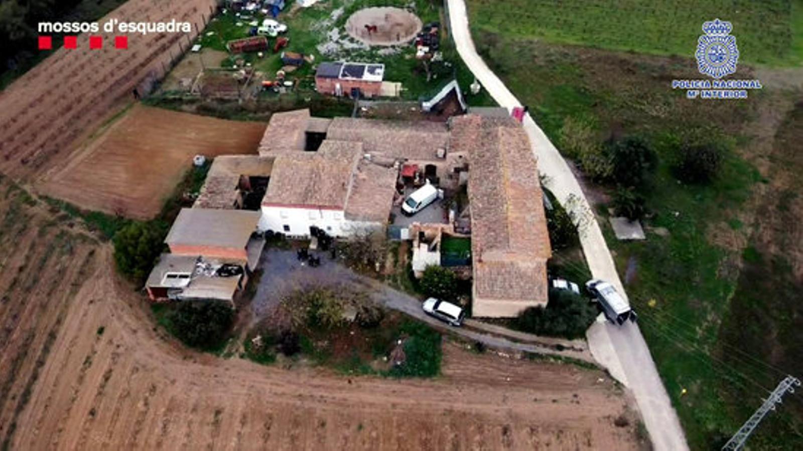 La masia  de Castellví de la Marca on el fugitiu ha estat localitzat