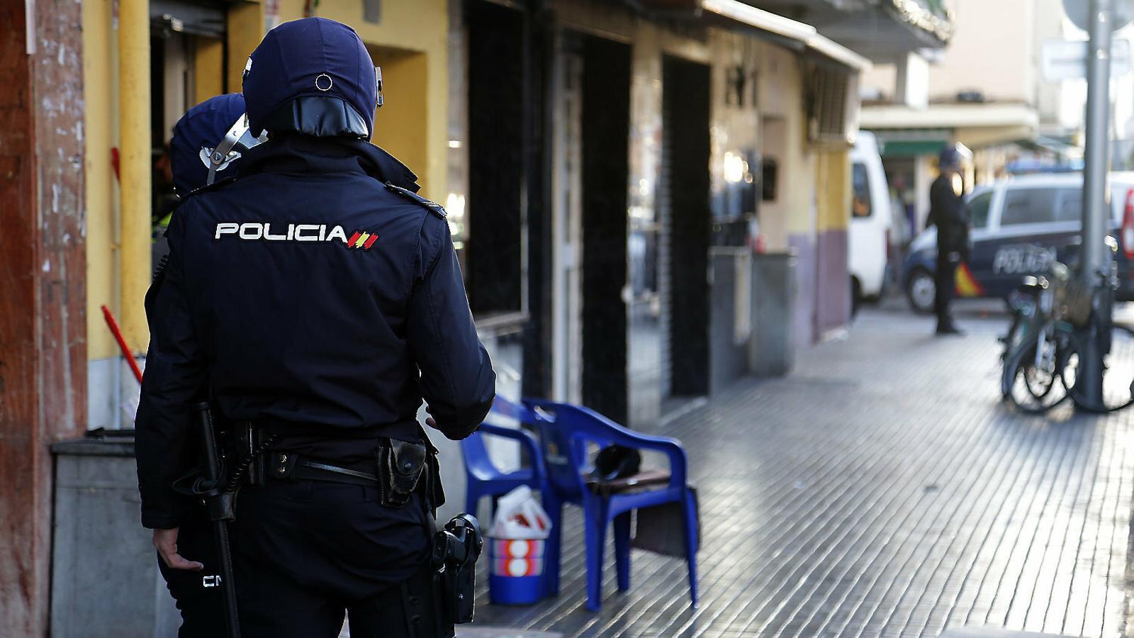 La policia es queixa de plantilles curtes i envellides i un equipament escàs