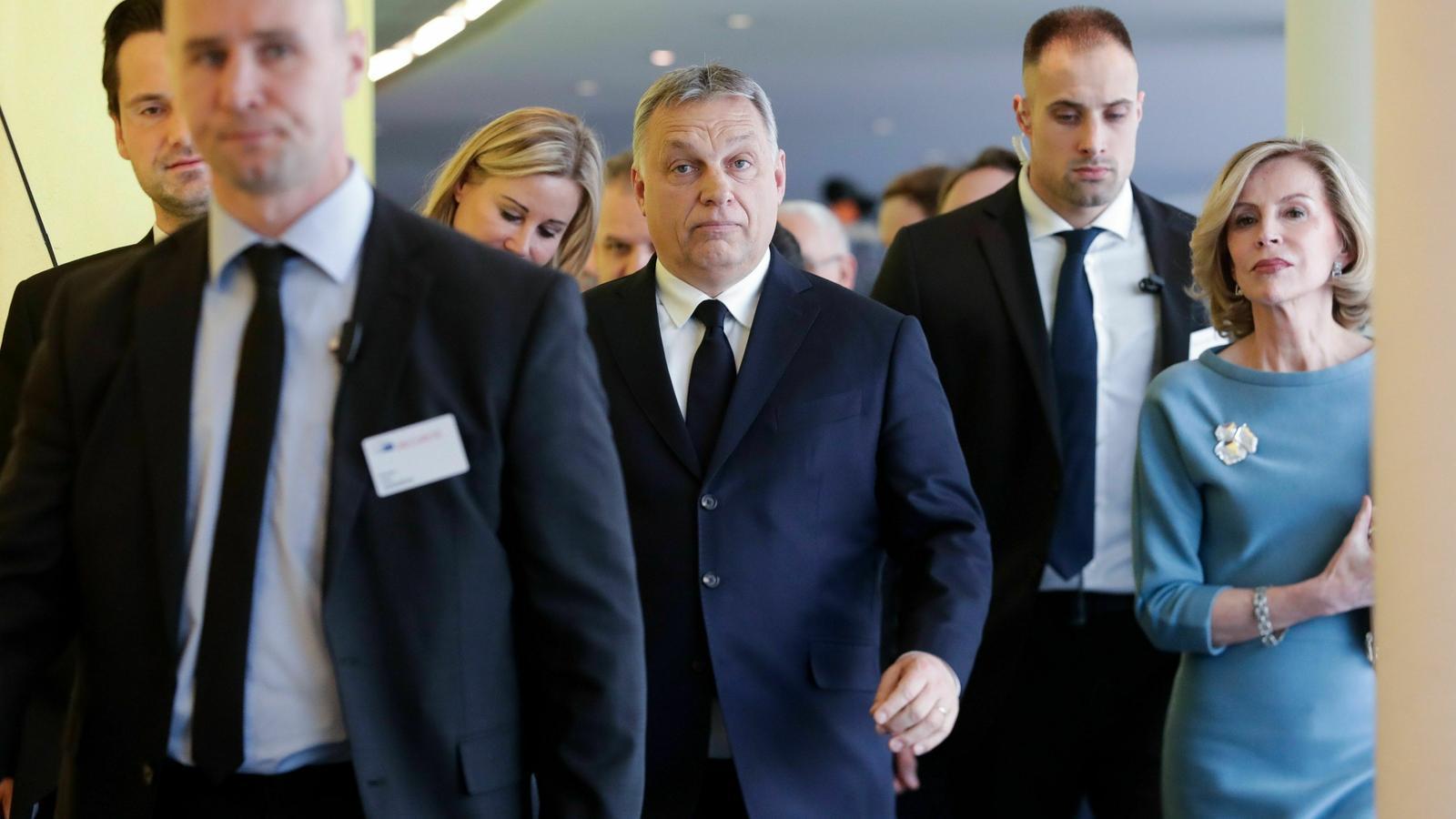 El PP europeu suspèn de veu i vot el partit d'Orbán
