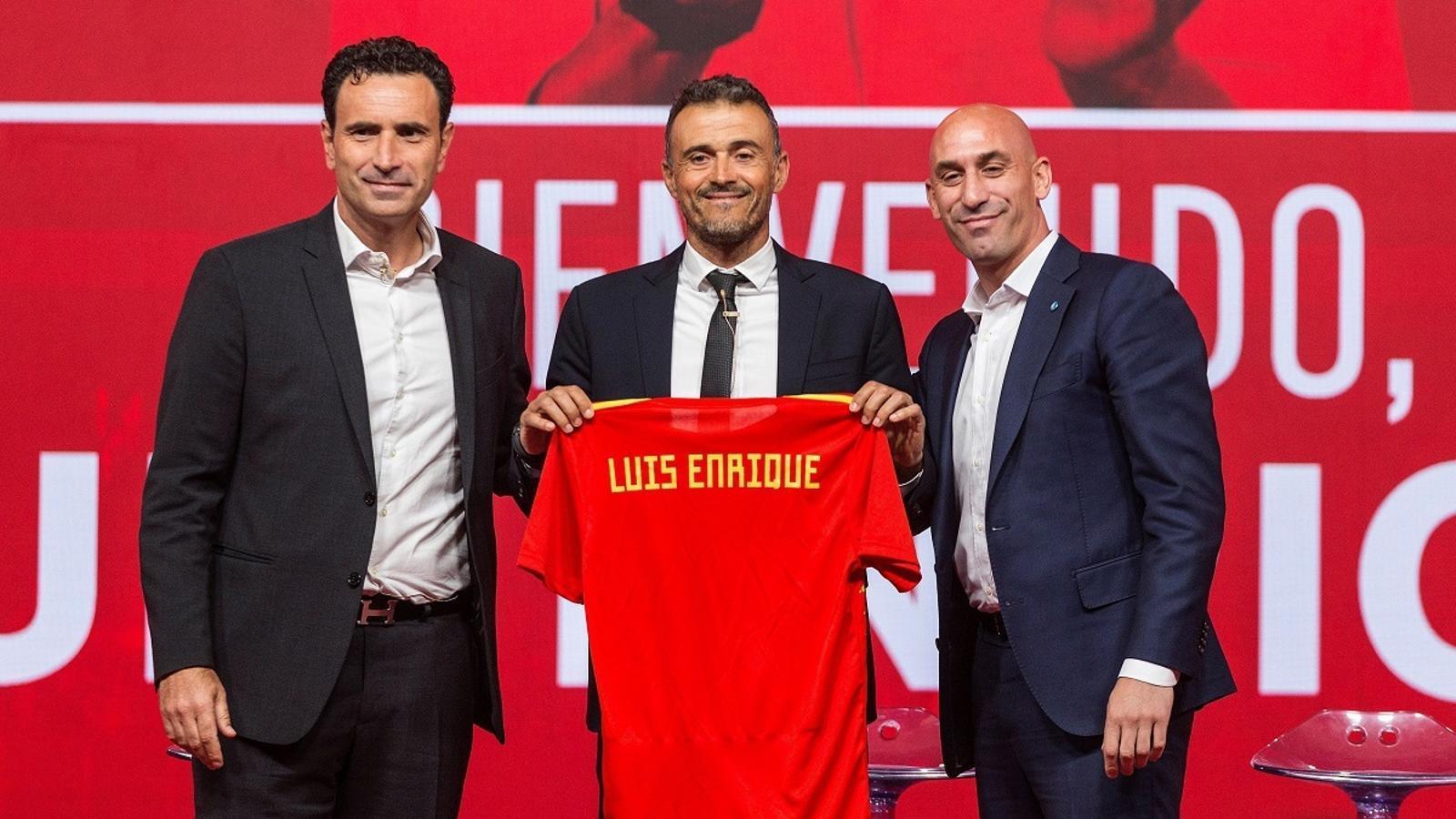 Molins, Luis Enrique Martínez i Rubiales, durant la roda de premsa del tècnic com a nou seleccionador