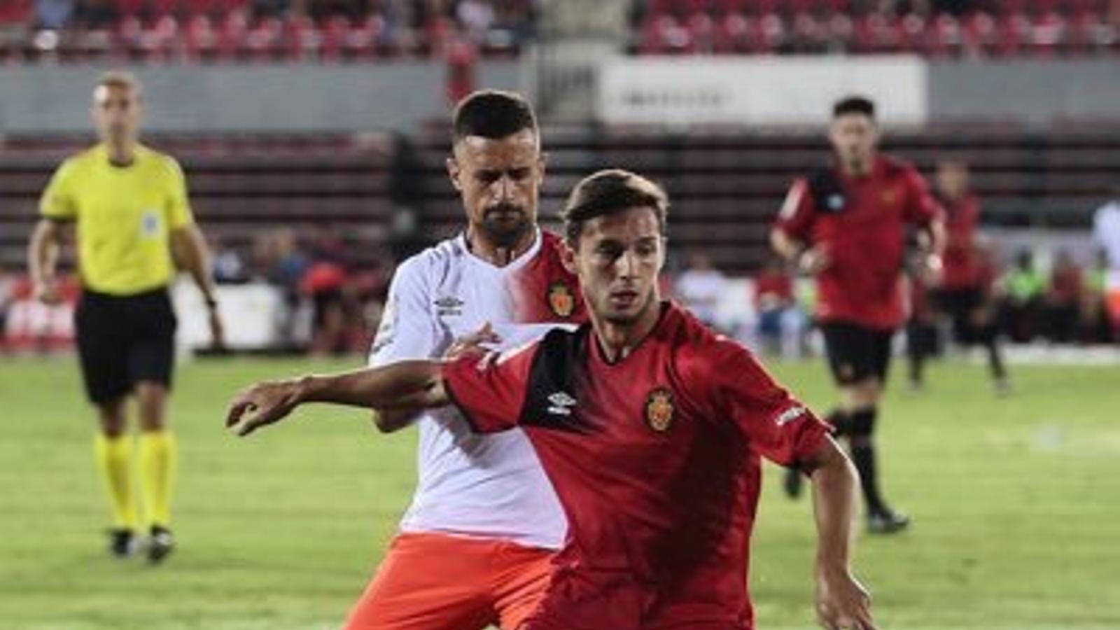 El Mallorca torna a Palma i Fernando Cano marxa al Lleida Esportiu