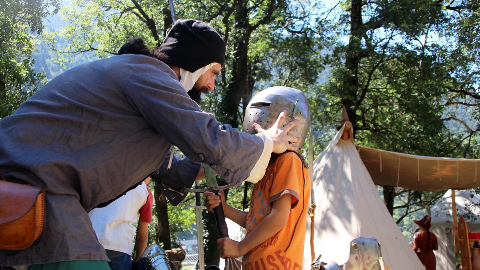 Activitats interactives per a les nenes i nens a l'Andosinoi. T. N. (ANA)