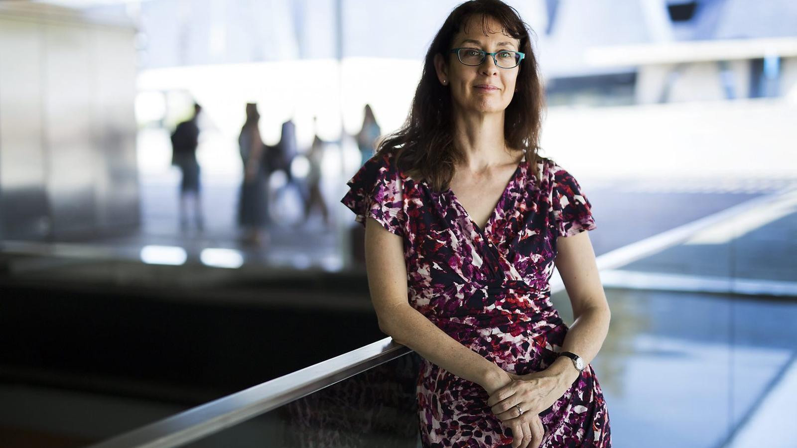 """Deborah Lupton: """"Les dades s'utilitzen per decidir si es fitxa algú o se li dóna un crèdit"""""""