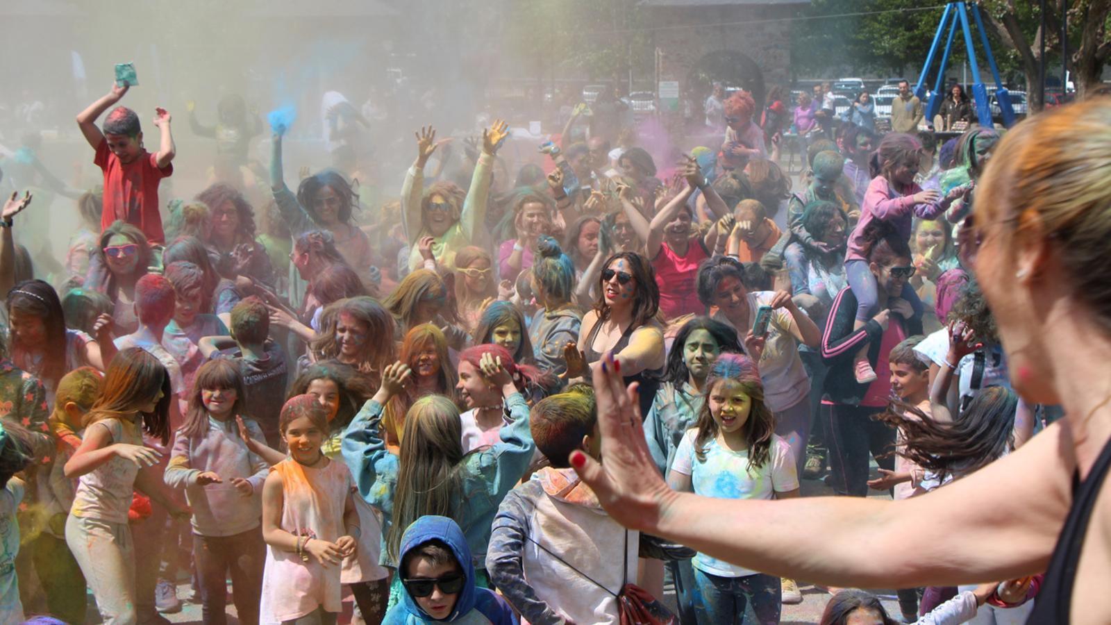 Un moment de la 'Holy Party' celebrada aquest diumenge a Encamp. / M. P. (ANA)