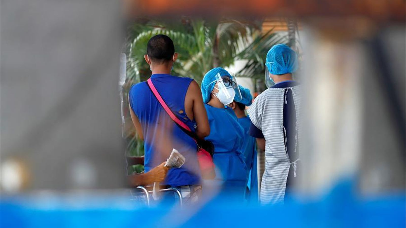 Personal sanitari en un hospital de Manila. Les Filipines són un dels països més afectats de l'Àsia.