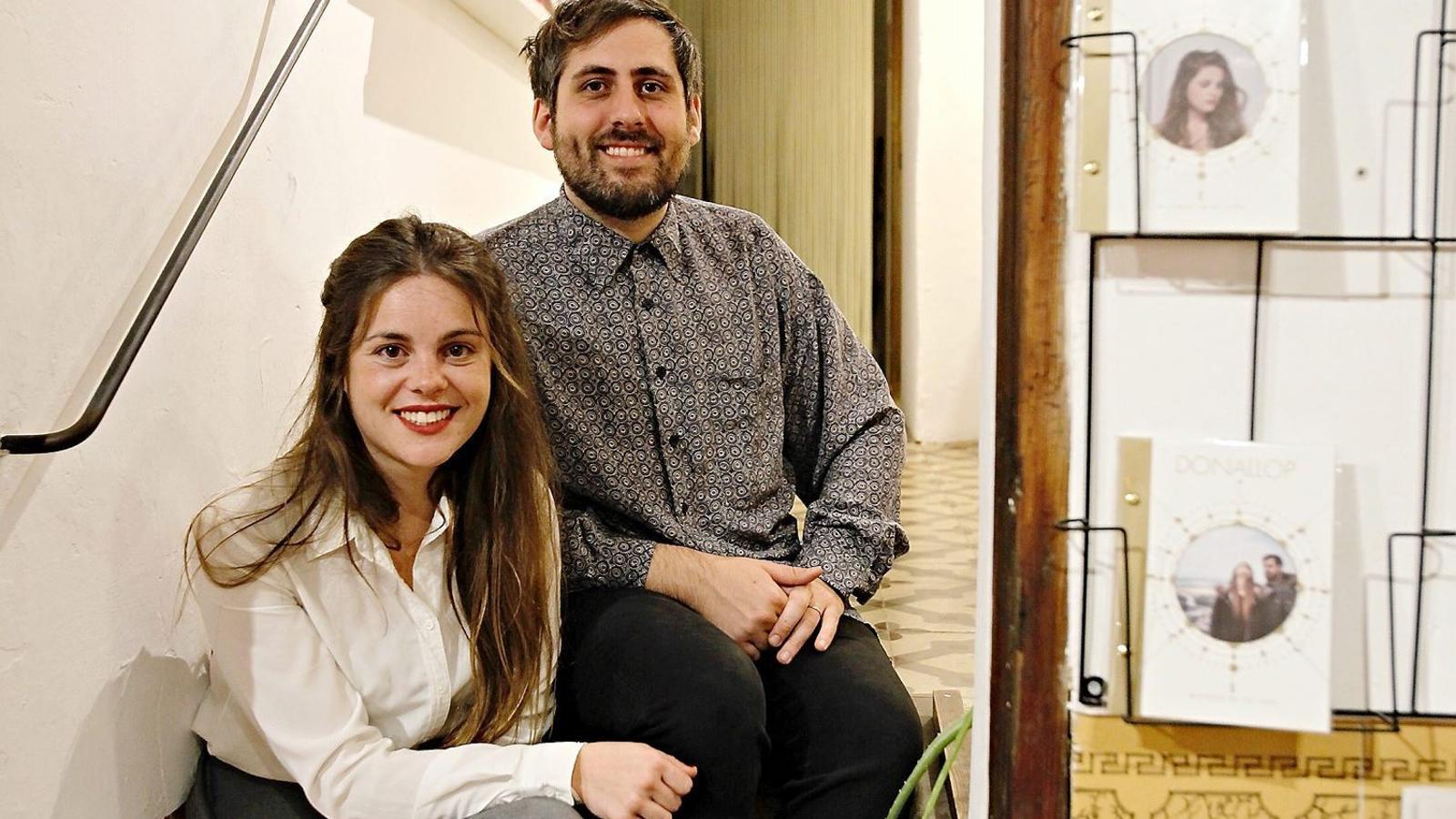 Joana Pol i Pere Bestard, de Donallop, aquest dijous a la festa presentació del nou disc a la llibreria Rata Corner, a Palma.