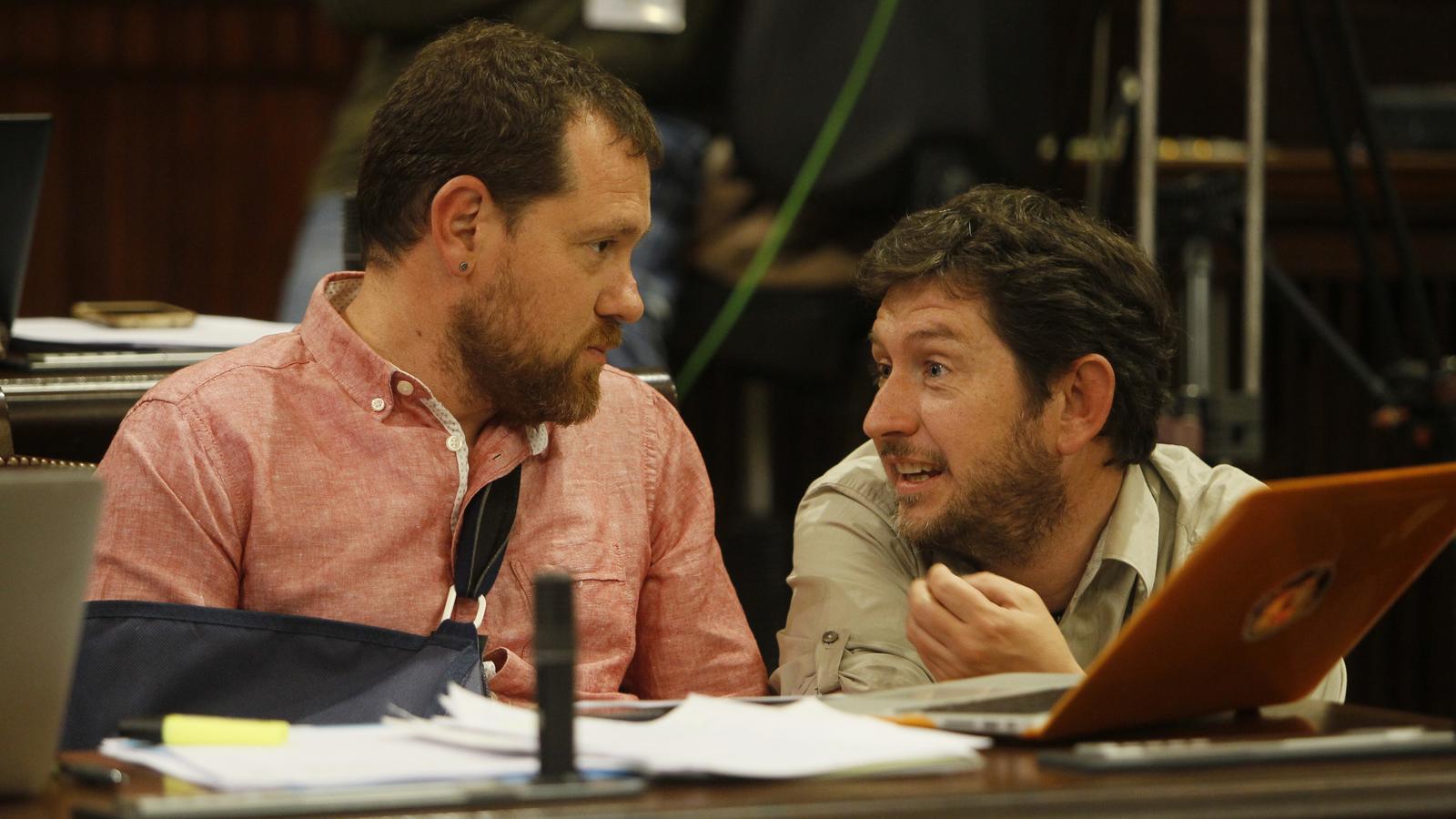 Abril i Jarabo conversen en seu parlamentària.