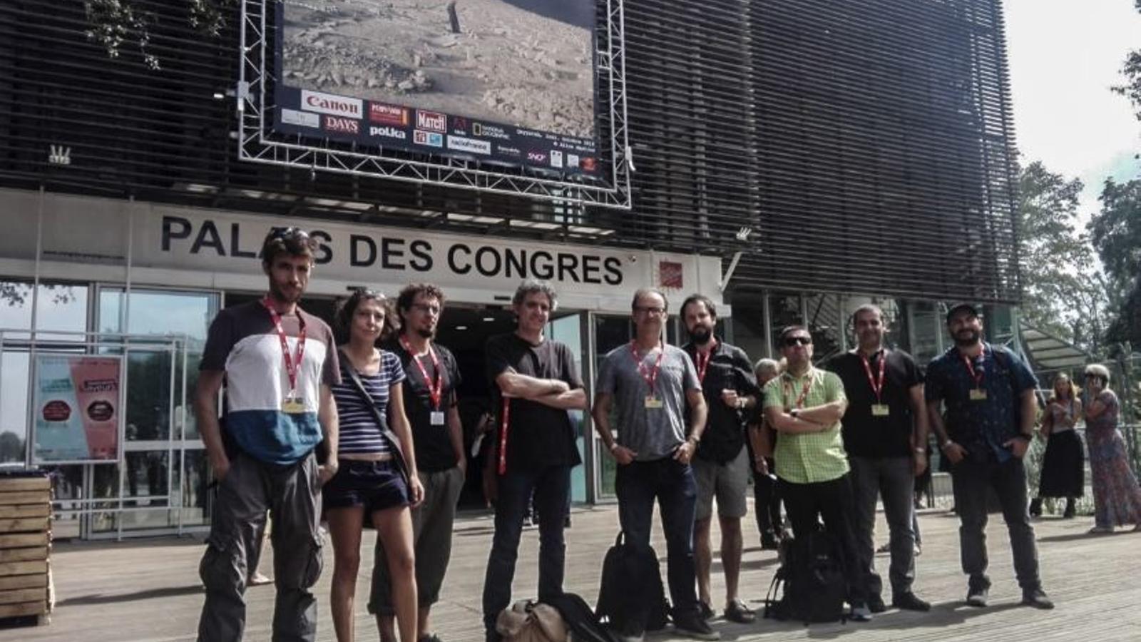Fotografia de família dels participants mallorquins a Visa Pour l'Image.