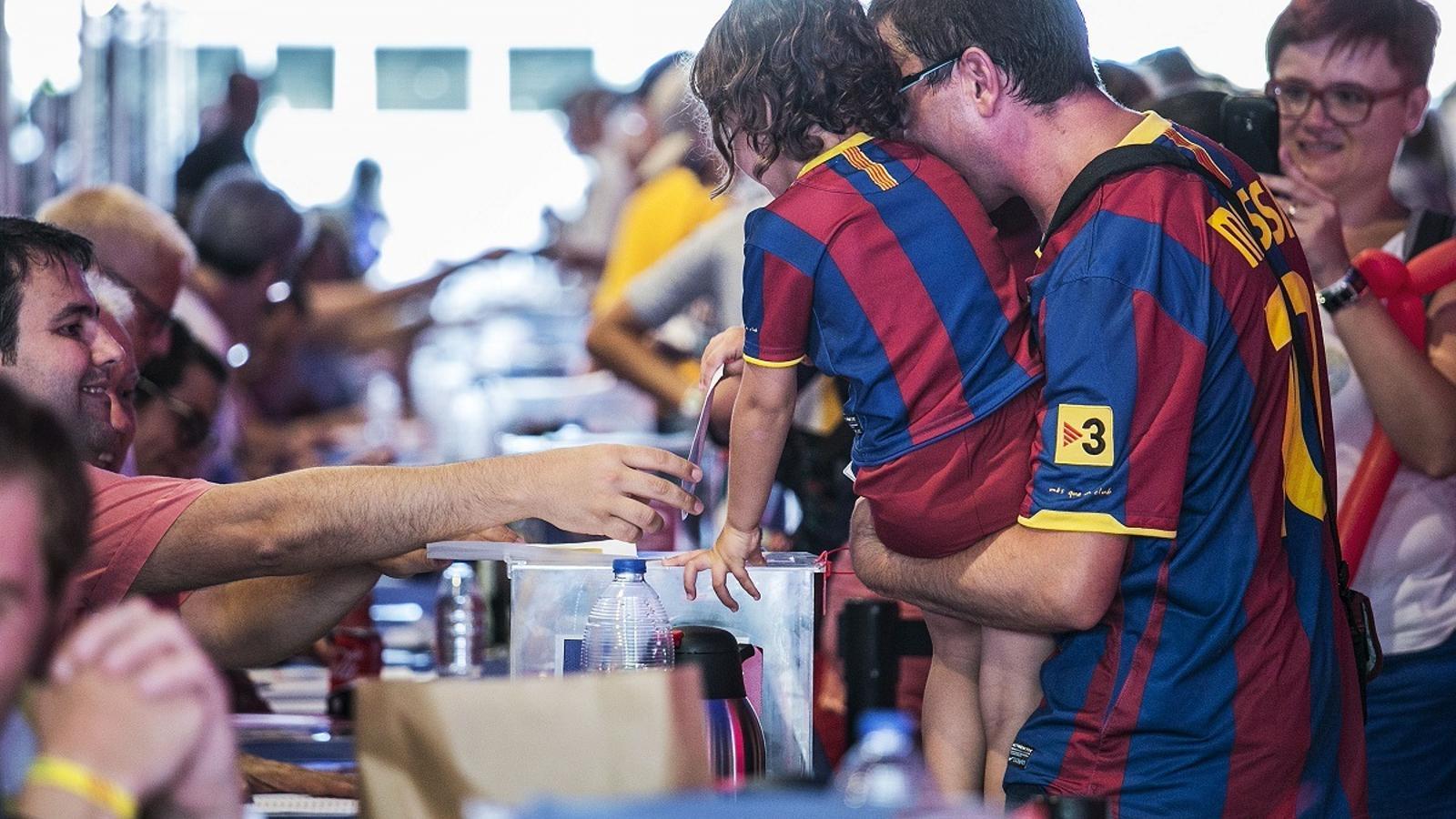 Les eleccions del Barça seran el 24 de gener i descentralitzades