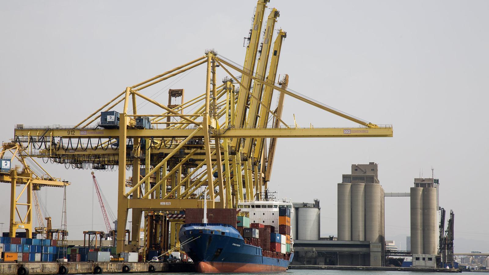Catalunya bat el seu rècord exportador en un primer semestre