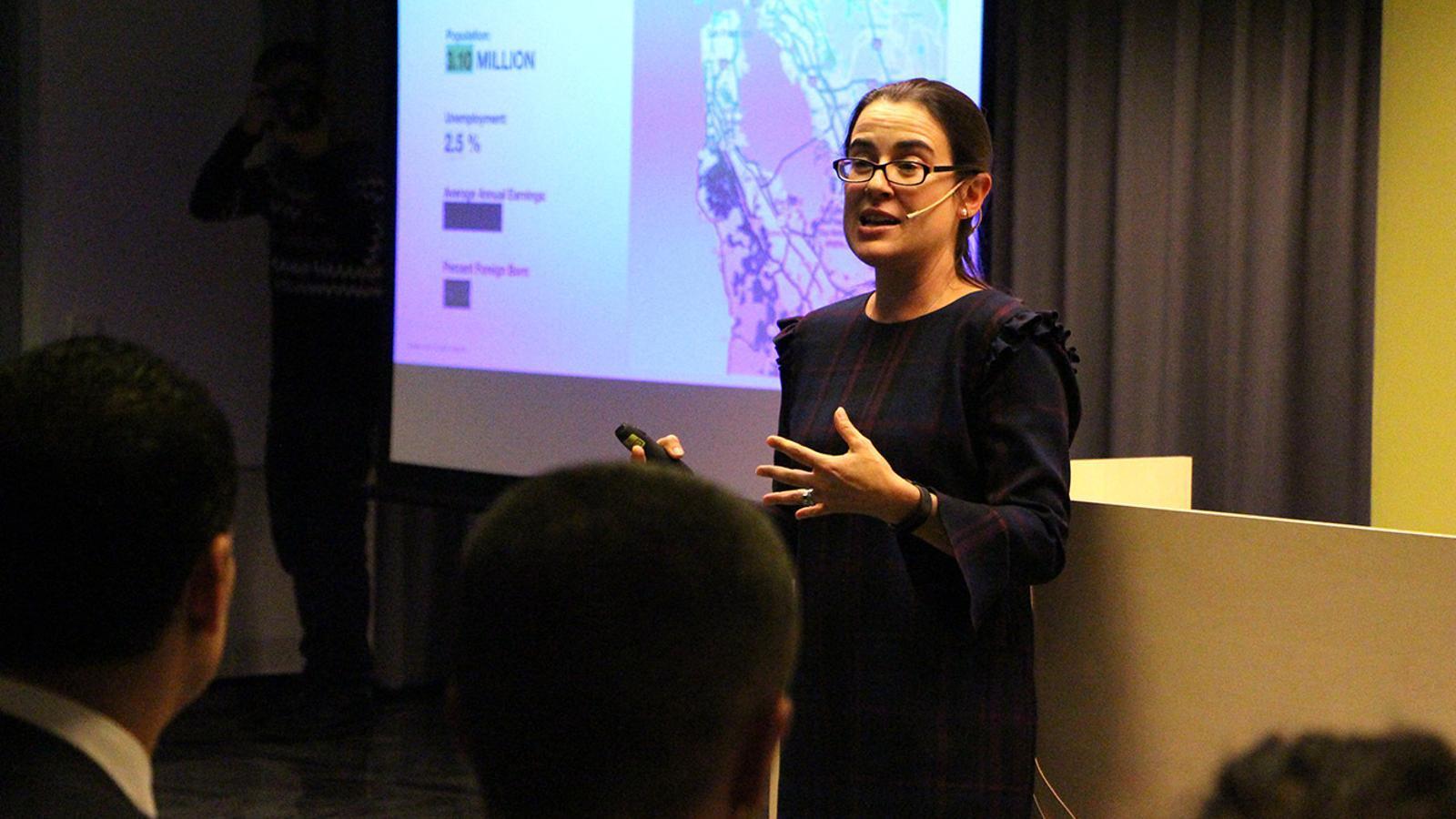 La cofundadora i sòcia gerent de Pear VC, Mar Hershenson, durant la xerrada que ha ofert aquest dijous a la tarda a Crèdit Centre. / M. P. (ANA)