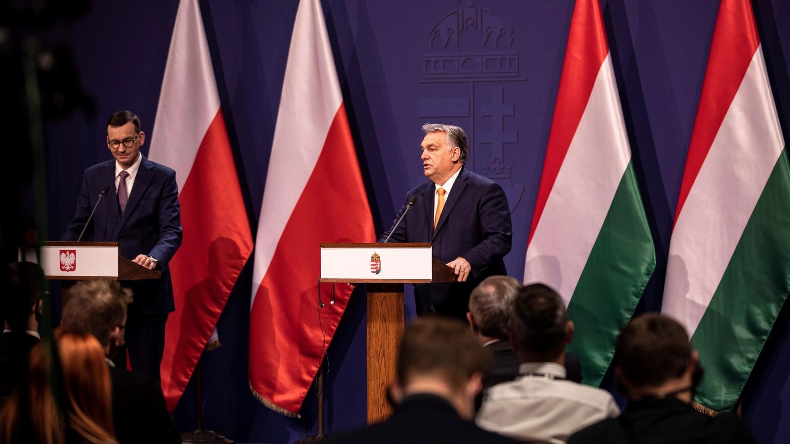 El primer ministre polonès,  Mateusz Morawiecki, i el primer ministre d'Hongria, Viktor Orbán.