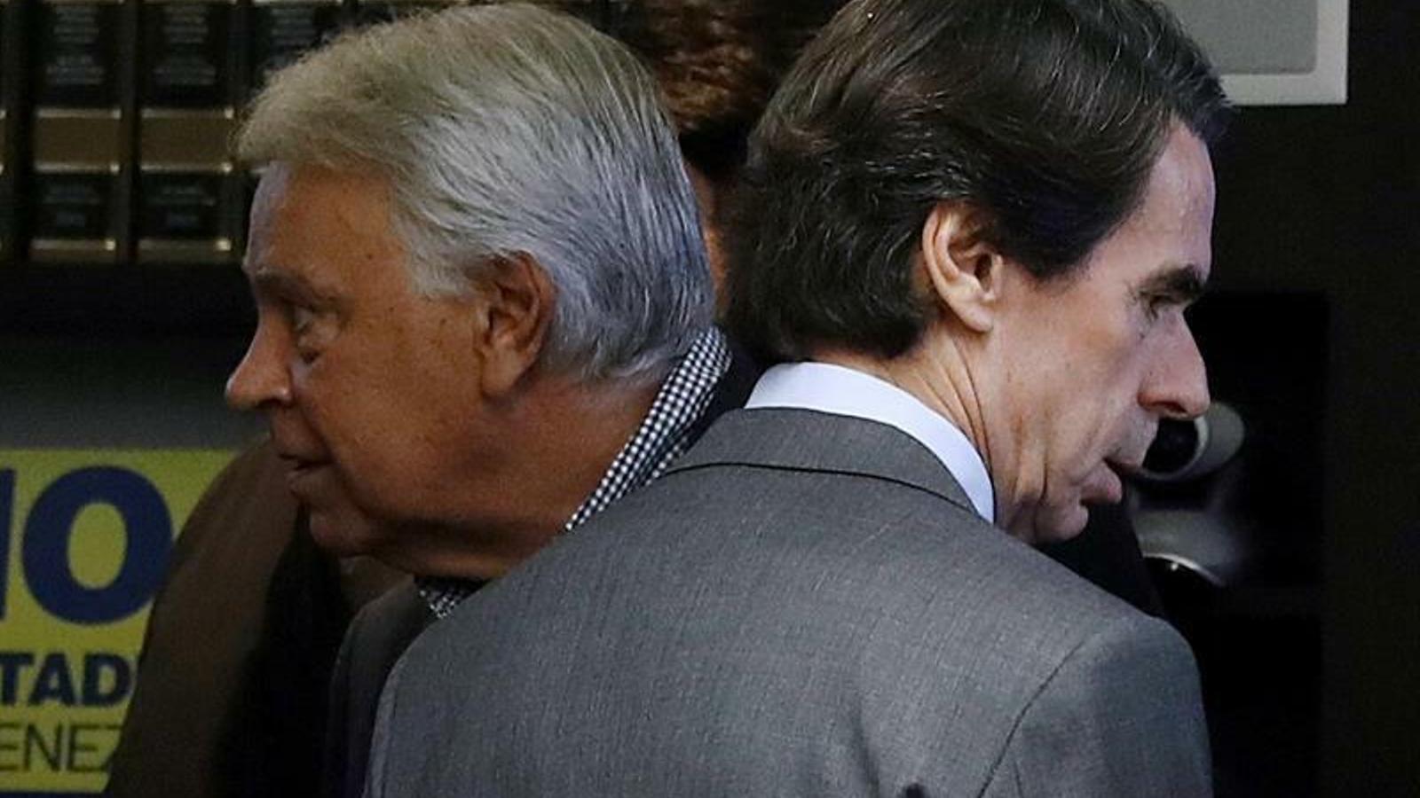 Els expresidents Felipe González (PSOE) i José María Aznar (PP)