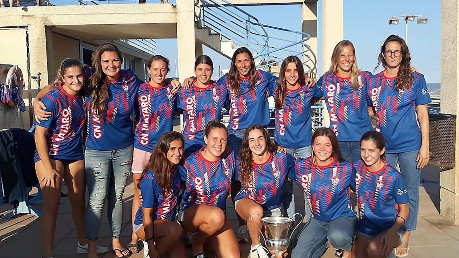 La lliga de waterpolo femení més igualada es posa en marxa amb un derbi vallesà
