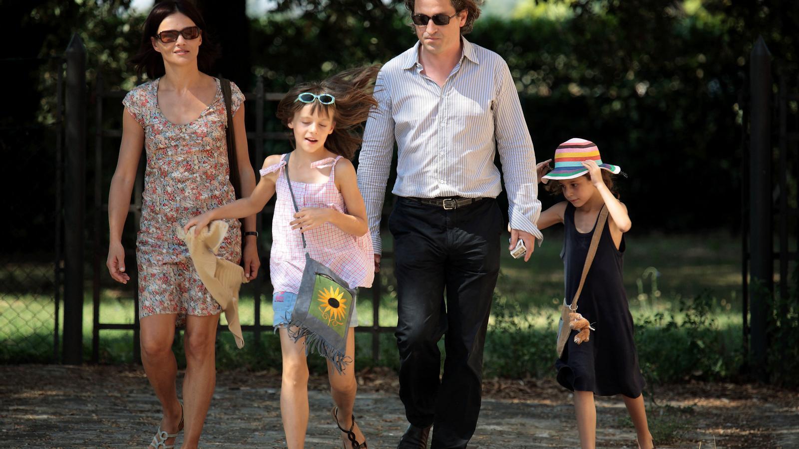 La placidesa familiar de Louis-Do de Lencquesaing (Grégoire)  i Chiara Caselli (Sylvia) a Le père de mes enfants .