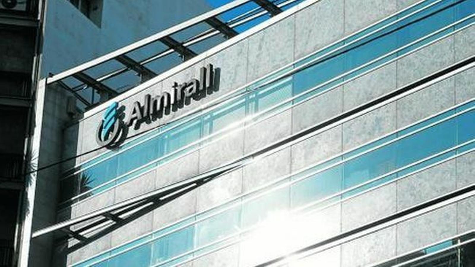 Almirall guanya 77,6 milions el 2018 i supera el sotrac de l'any anterior