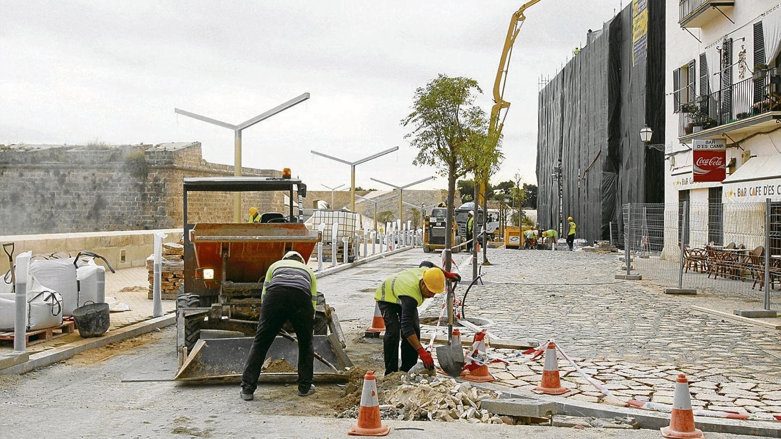 El turisme impulsa el creixement de la construcció.