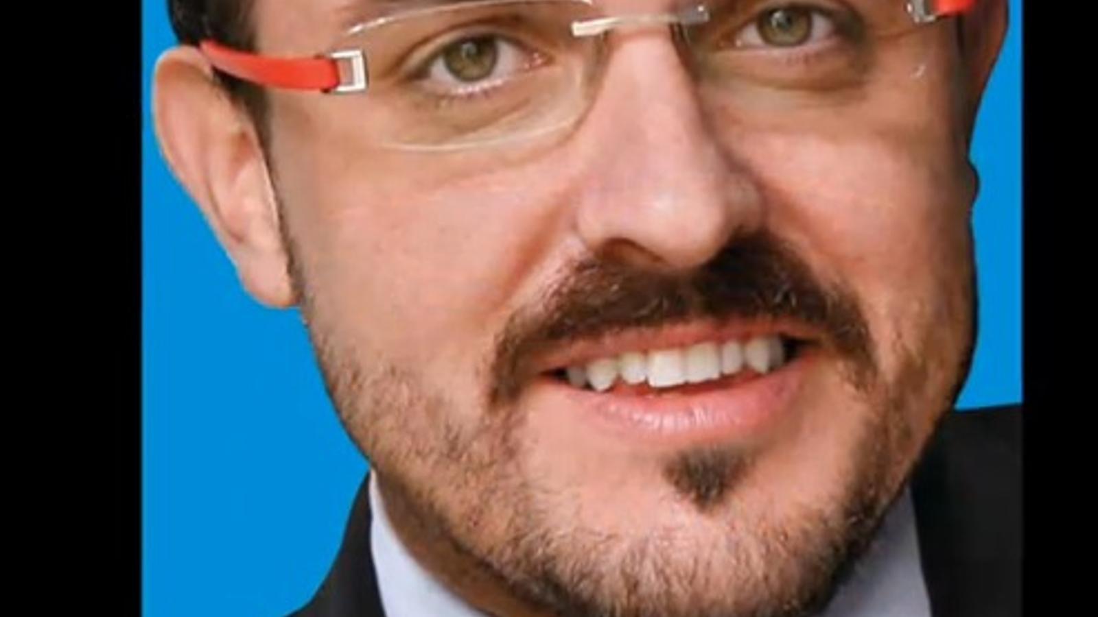 El candidat del PP a Tarragona versiona Lady Gaga per demanar el vot