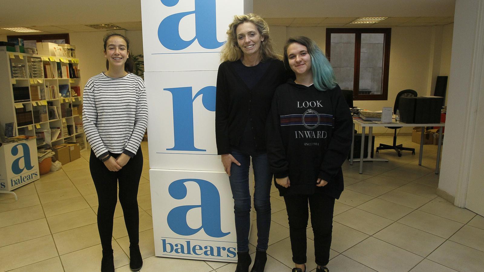 Sara Ramos, Aina Vives i Núria Ramírez