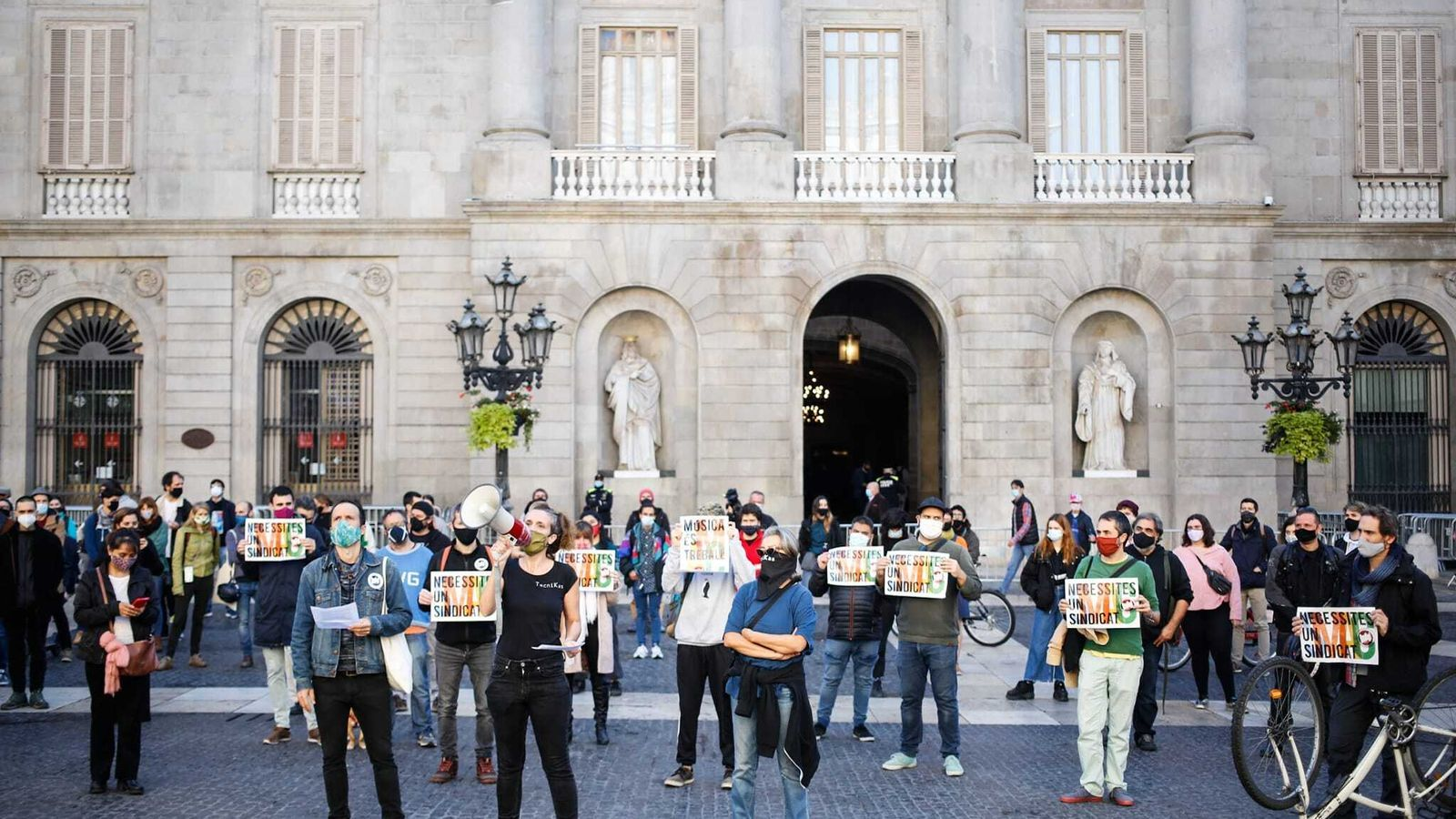 Els treballadors de la cultura s'indignen davant el nou embolic amb les ajudes