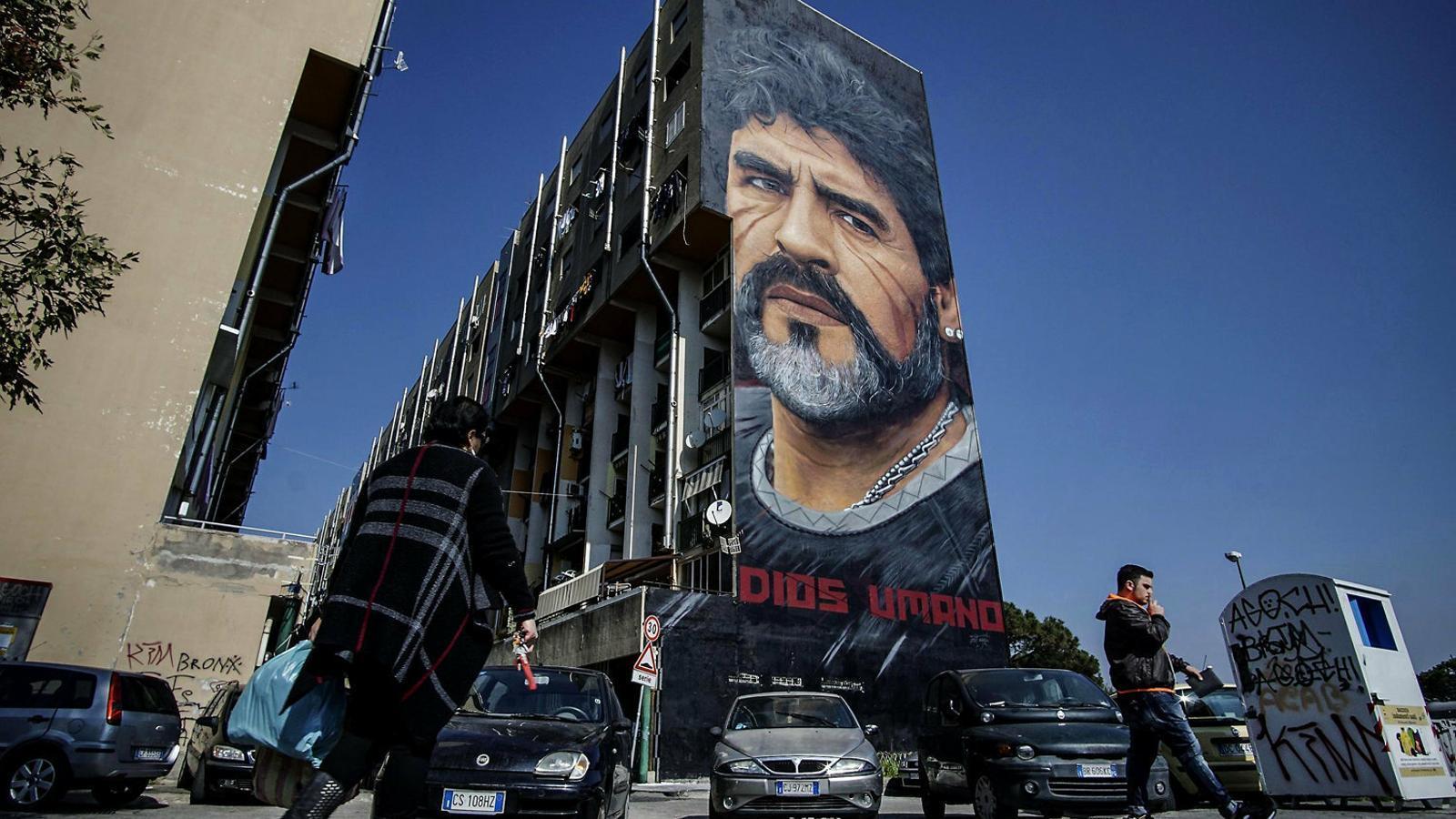 """""""Va ser el millor en la seva època"""": el món del futbol celebra el 60è aniversari de Maradona"""