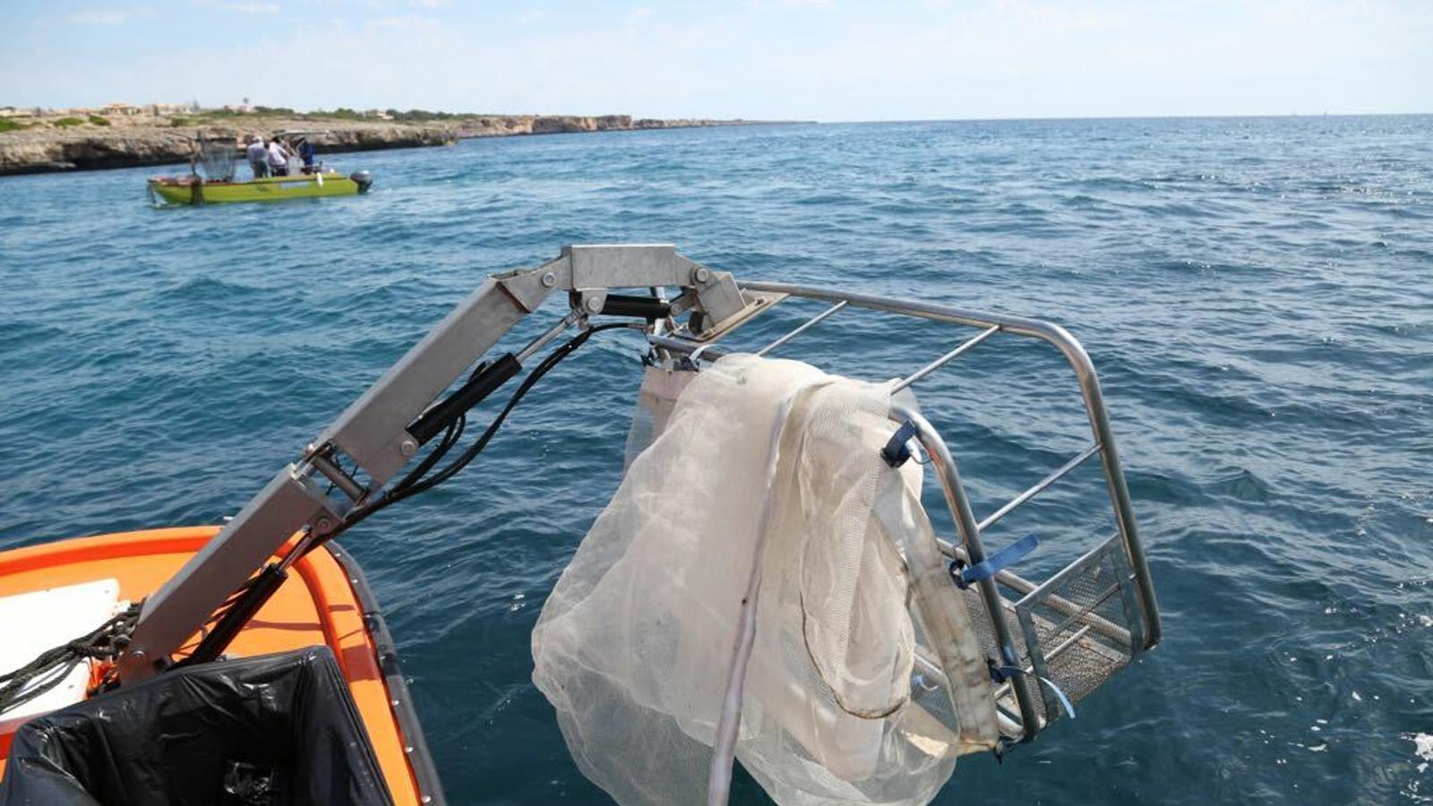 Medi Ambient recull 11,8 tones de residus en el litoral balear al maig