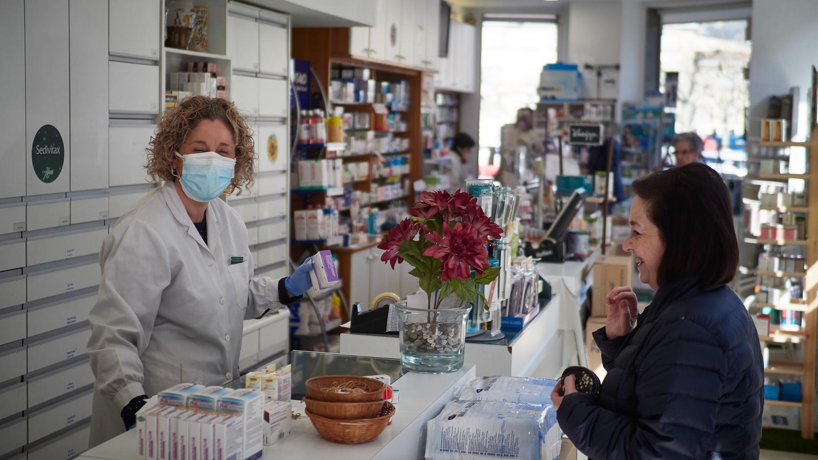 Les farmàcies continuaran funcionant amb normalitat