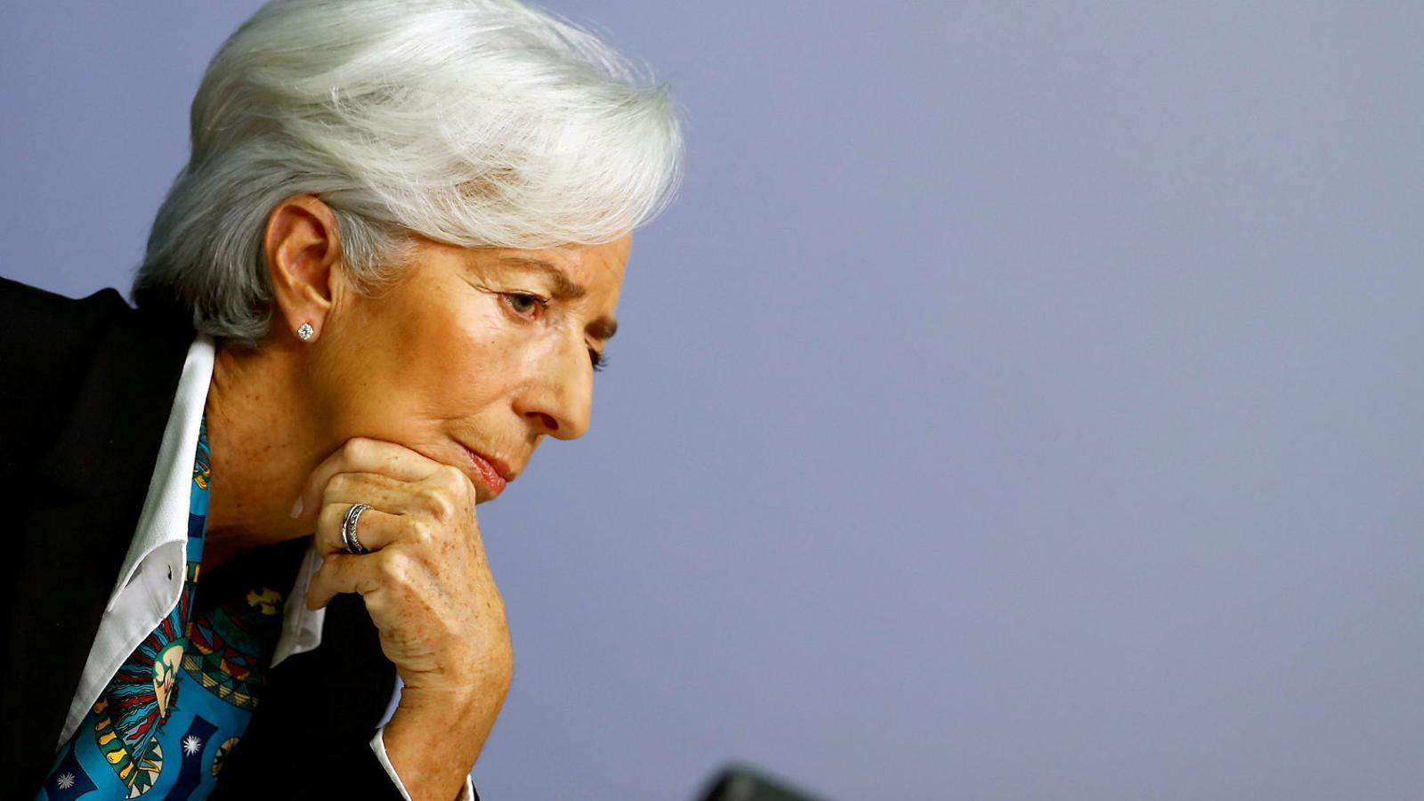La presidenta del Banc Central Europeu, Christine Lagarde (en una imatge d'arxiu), ha avisat els estats de la UE que caldrà que impulsin mesures de despesa econòmica per fer front a la crisi.