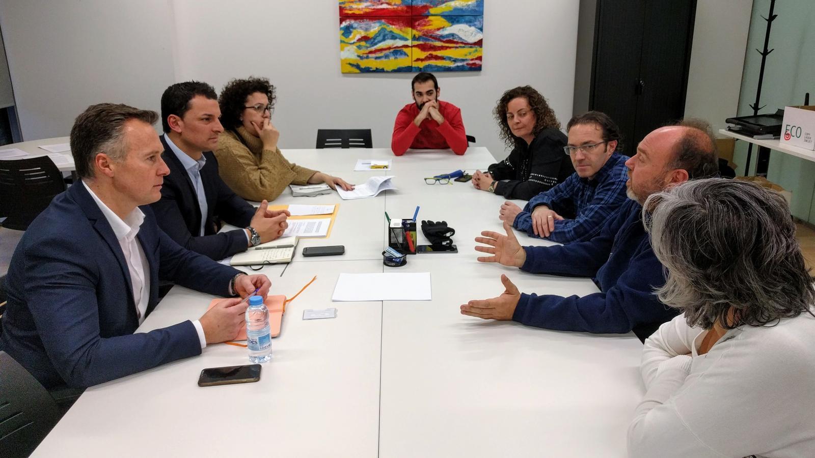 Un moment de la trobada entre els consellers liberals i els representants dels treballadors públics. / LIBERALS D'ANDORRA
