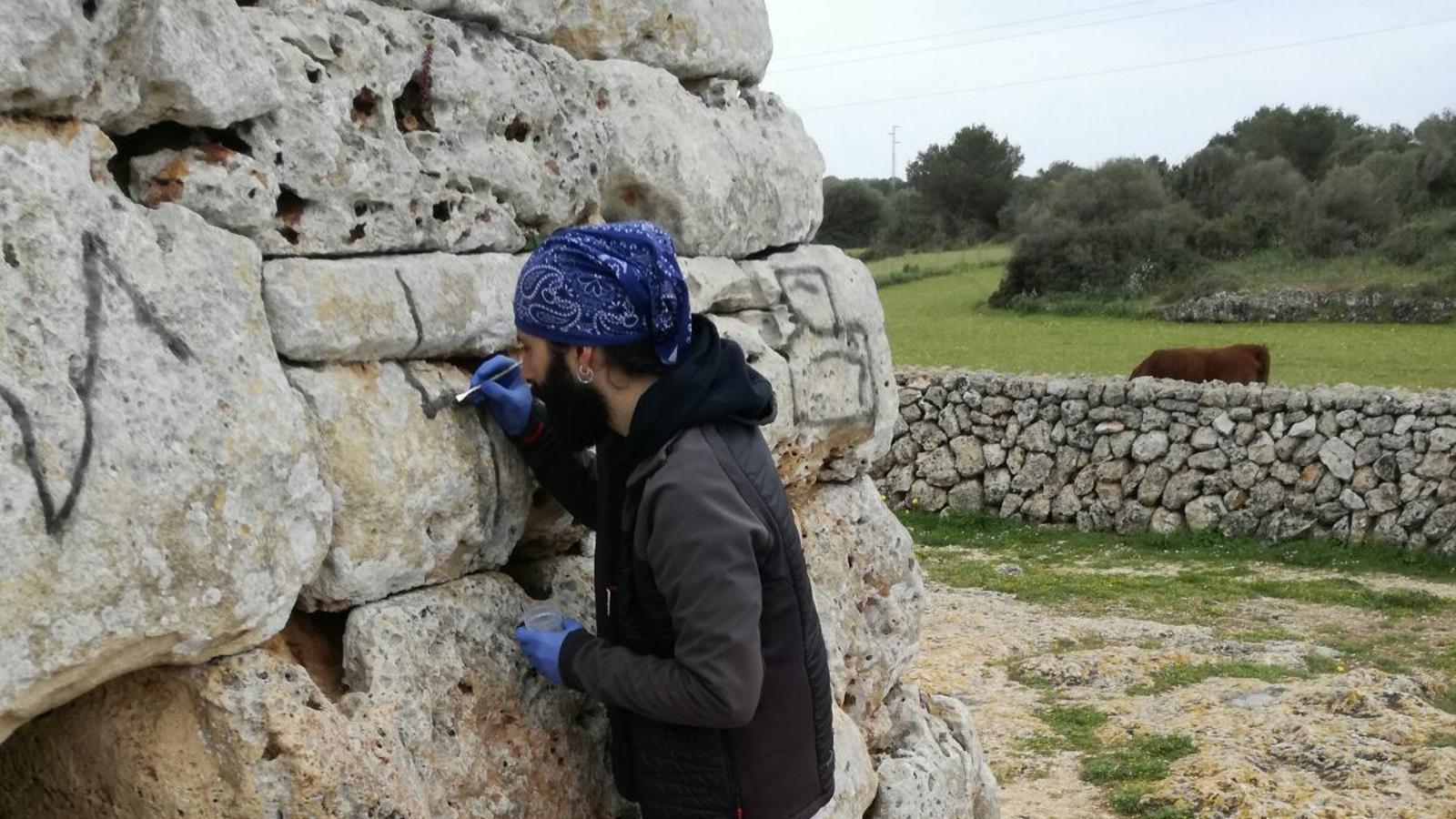 La restauració de la naveta dels Tudons es durà a terme amb components químics