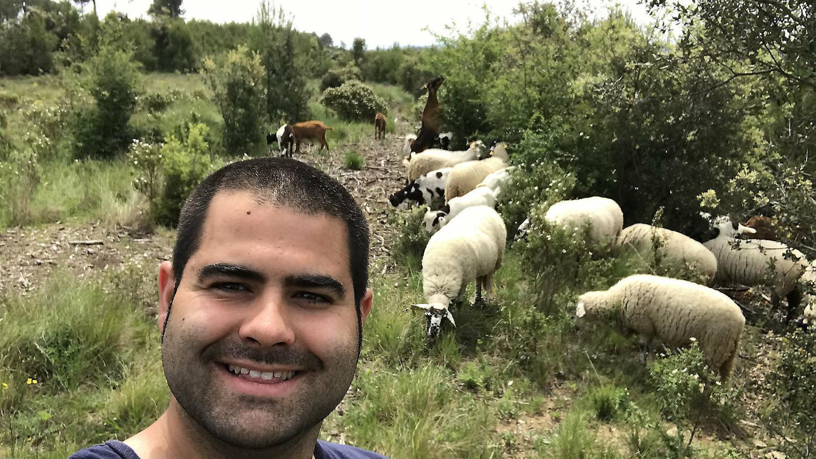 """ALBERT SANTIAGO COZAR: """"El meu somni és tenir el meu propi ramat de cabres a Lloret de Mar"""""""