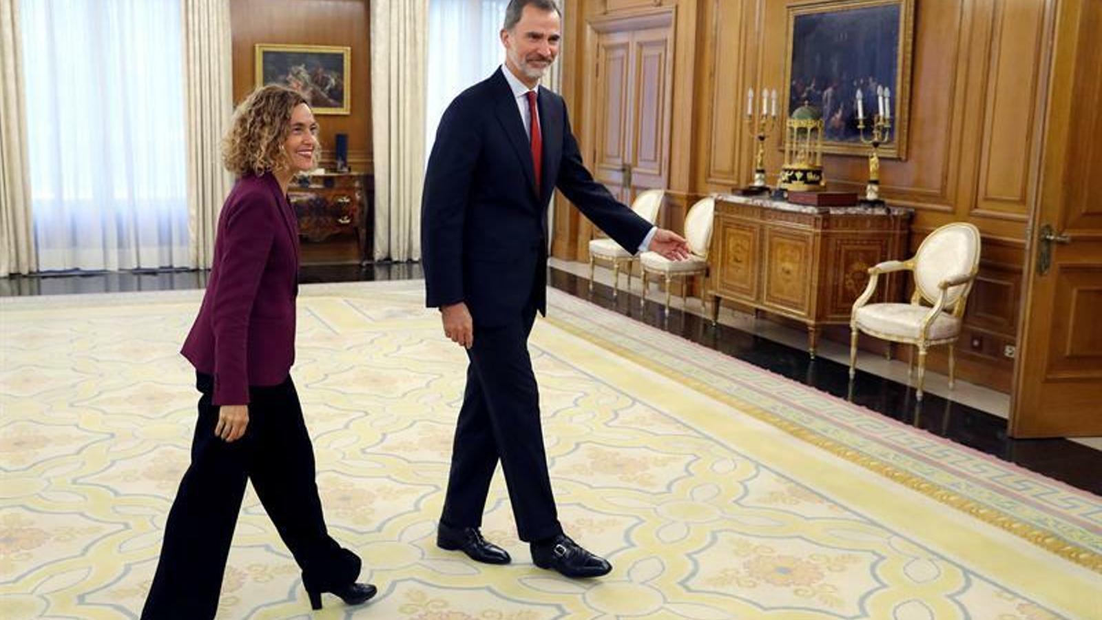 El rei Felip VI i la presidenta del Congrés, Meritxell Batet, al Palau de la Zarzuela