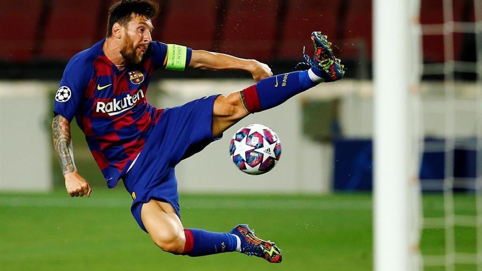 Messi, en acció contra el Nàpols