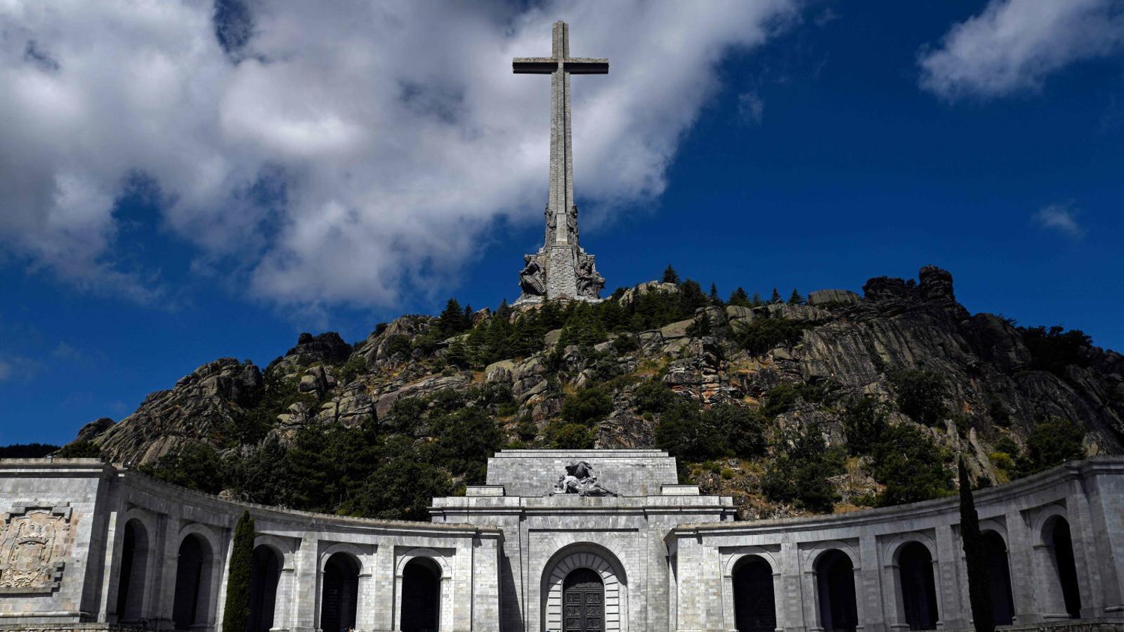 El Valle de los Caídos sense Franco:  el destí dels altres 33.847 morts