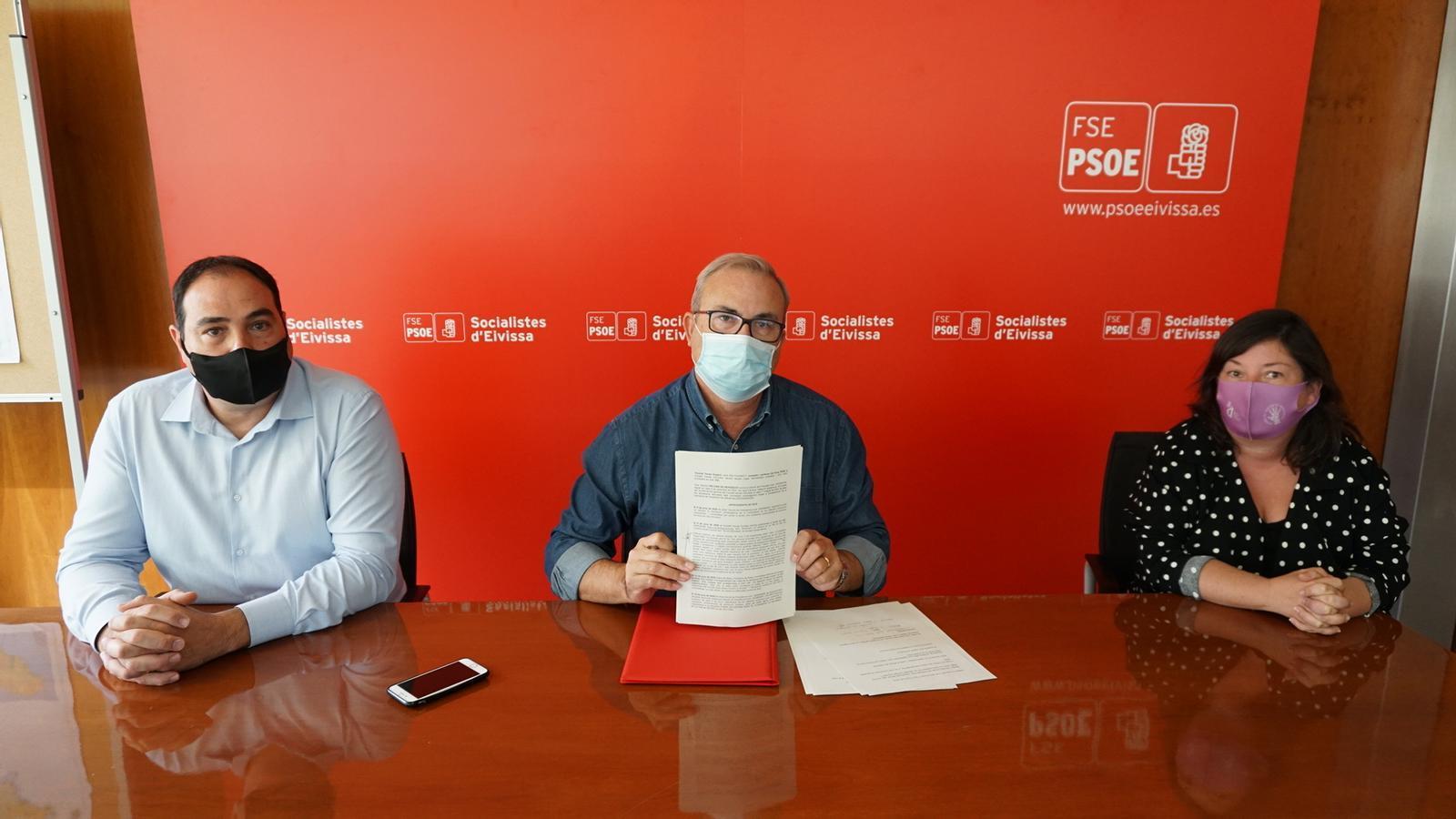 Roda de premsa en la que el partit socialista ha presentat el recurs de reposició contra el decret del president