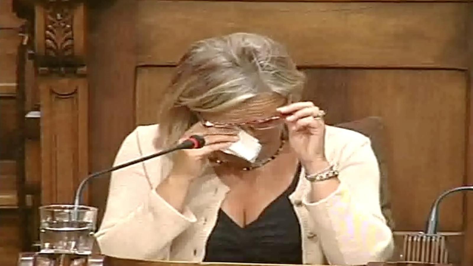 Comiats a l'Ajuntament de Barcelona: llàgrimes de Mayol i advertiments de l'injustament imputat García-Bragado