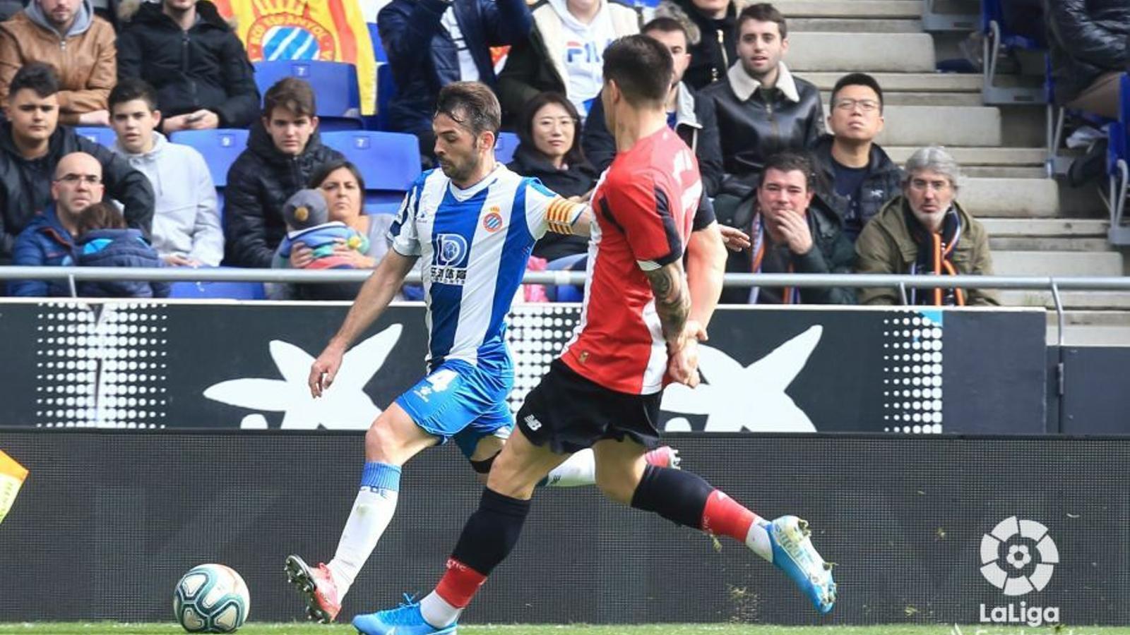 Víctor Sánchez va actuar com a lateral dret contra l'Athletic per la sanció de Javi López