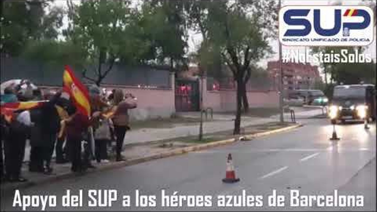 """El principal sindicat de la Policia Nacional rep com a """"herois"""" els agents que han començat a tornar de Barcelona"""